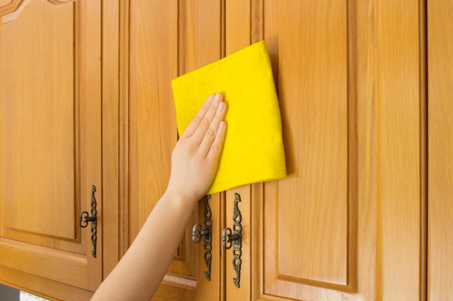 Чем почистить шкаф в домашних условиях 199
