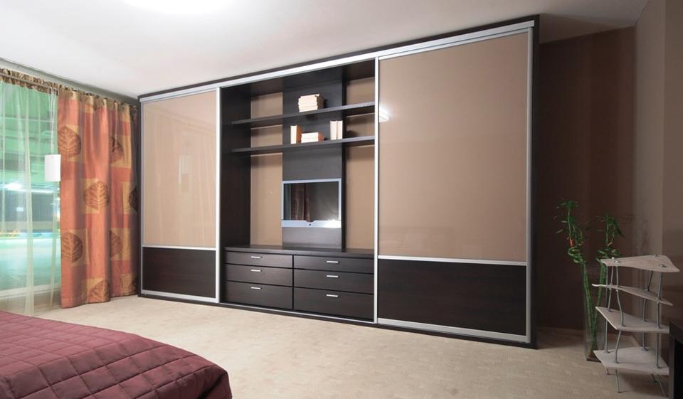 Дизайн зала со шкаф купе